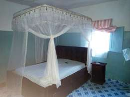 2 stands mosquito net