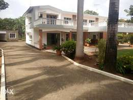 Spacious 3br rental stand a lone villa with dsq in secure old Nyali