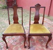 Pair of Queen Ann Dining Room Chairs J 2498