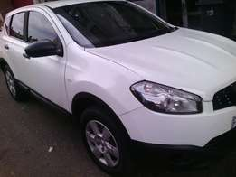 Very clean Nissan QASHQAI 2012 in a good condition engine 1.6