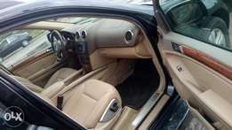 2008 sparkling and sound Benz GL450 4MATIC with chilling AC and duty