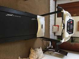 Treadmill 450 Trojan hardly used automatic incline