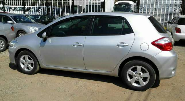 Silver Toyota Auris For Sale. Great Deal!!! Hurlingham - image 8