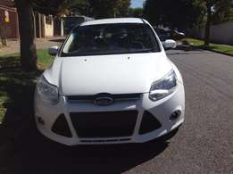 2013 Ford Focus1,6 Colour white