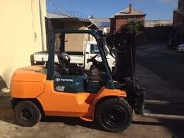 Toyota 4.5ton second hand forklift for sale|Side shift 4.5mhigh JHB