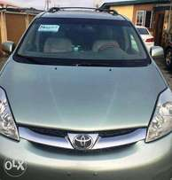 Sharp Tok 2006 Toyota Sienna Limited Edition AWD