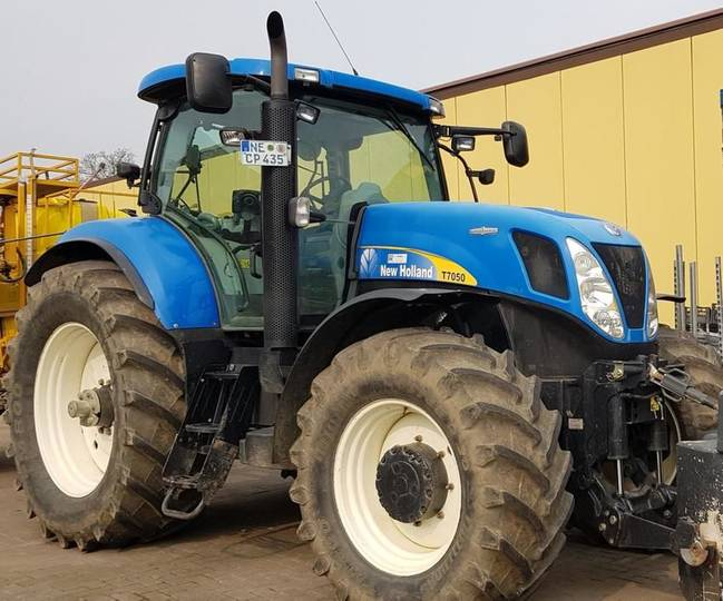 New Holland t7050autocommand - 2011