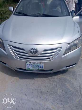 Clean 09/Toyota Camry Biogbolo - image 1