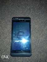 Clean blackberry Z10 for sale