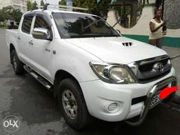 Hilux Dcab 2009 model 3000cc manual diesel at 2M in Mombasa