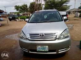 Registered Toyota avensis... Buy and drive