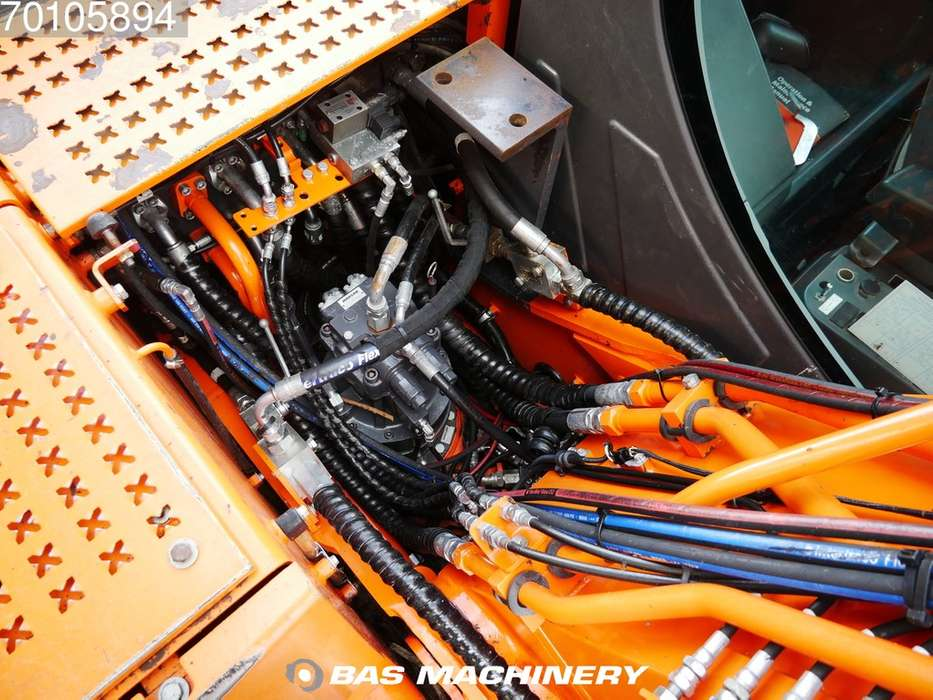 Doosan DX170W Outriggers / Blade - 2013 - image 15