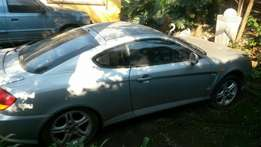 Hyundai tiburon v6 '06 or to swop for small running bakkie