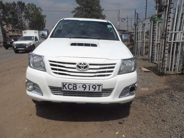 A clean and well maintained toyota hilux Umoja - image 1