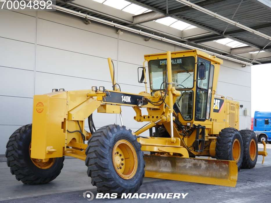 Caterpillar 140K CE machine - CAT product status report - 2011