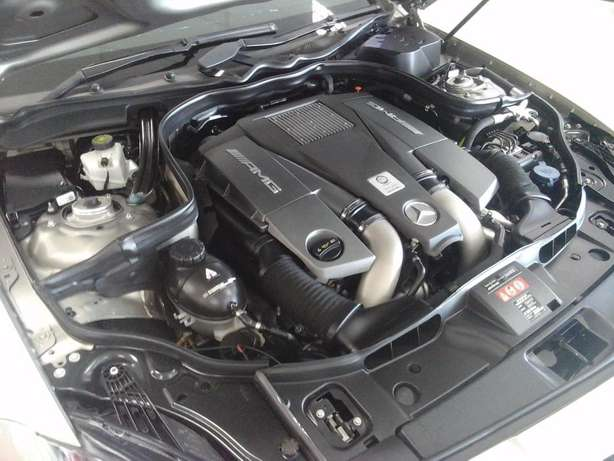 2012 Mercedes Benz CLS 63 AMG V8 Bi-Turbo Salt River - image 8