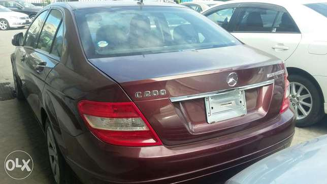 Benz c200 fully loaded 5s 4by4 Kilindini - image 3