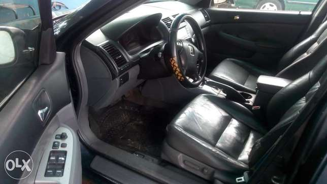 Extreemely sound 2003 Honda Accord with factory chilling AC Warri - image 5