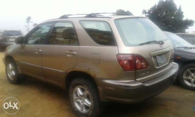 Neatly used lexus rx 300 for sale Port Harcourt - image 4