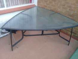 Glass aluminium garden table and 6 chairs