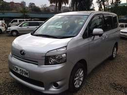 Toyota VOXY, 2010 model, 2000cc, Clean Silver