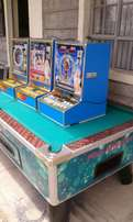 Pool table slot machines