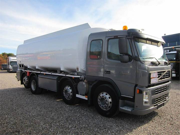 Volvo Fm12-420 8x2*6 22.000 L. Adr - 2004