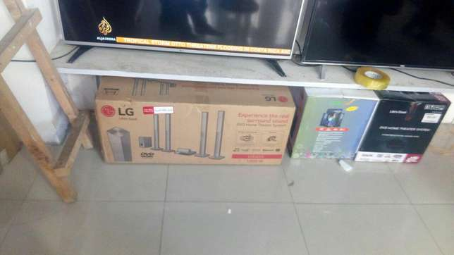 Four tall speakers 1000 watts Bluetooth enabled LG home theatre 655 Tudor - image 3