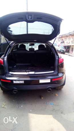 Neat Tokunbo Infiniti FX 35 Tincan Cleared Port Harcourt - image 8
