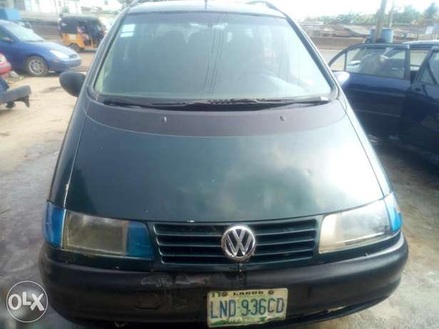 Sharan 2.0 normal engine for quick sale Lagos Mainland - image 6
