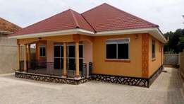 three bedroom stand alone house for rent in kira at 900k