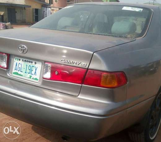 Toyota Camry 2000, just 3/ month used very clean and sharp Lagos Mainland - image 5