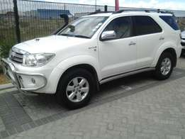2010 Toyota Fortuner 3.0D4D, 4X4 Manual,