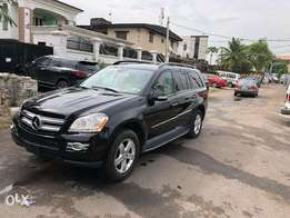 Fullest option 2007/2008 Benz GL450 4Matic , Thumbstart , Rev nd Navi
