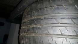 275/40/18 Continental Runflat tyres