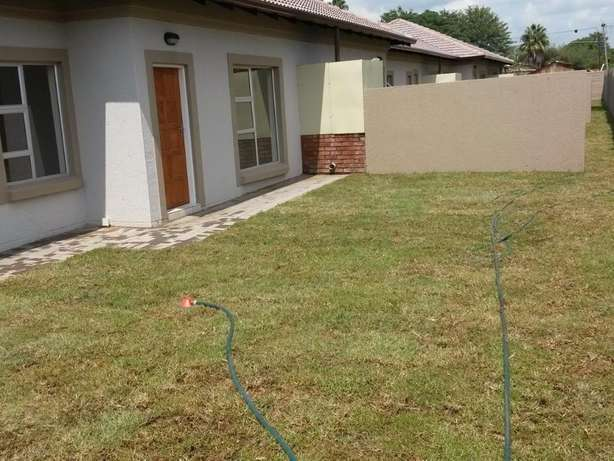 Neat Spacious and Safe - Wolmer Pretoria North - image 6