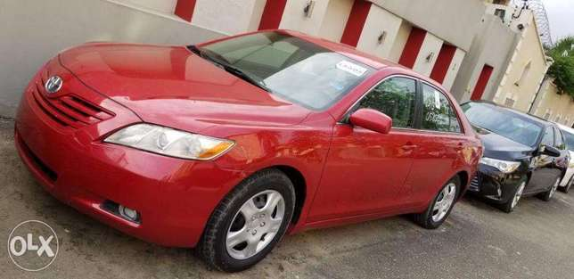A Clean Toyota Camry 2007 Tokunbo Ikeja - image 3