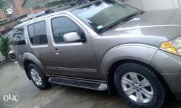 Neatly used Nissan Pathfinder 2006 model for sale with full option