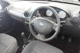 nissan np 200 1.5 dci white