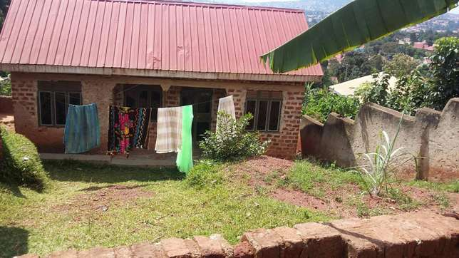2bedrooms 1bathrooms kitchen plot 60 by 40 40ft House for sale in Kampala - image 2