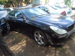 Mercedes-Benz W219 CLS 350 stripping for spares