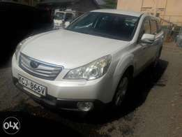 Subaru outback very clean,alloys, new tyres ,radio sreen