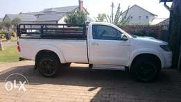 Looking for Toyota Hilux 3.0D4D R80000 to R90000