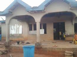 6 bedrooms uncompleted house for Sale at Agric Kromoase 150000ghc
