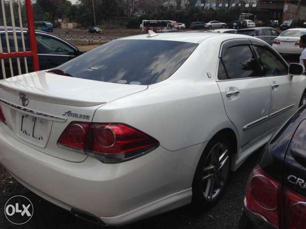 Toyota crown pay 60% n the rest In 8months at a slight price change Kilimani - image 4