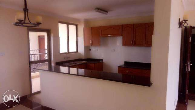 3 bedroom with sq to let in Lavington City Centre - image 5