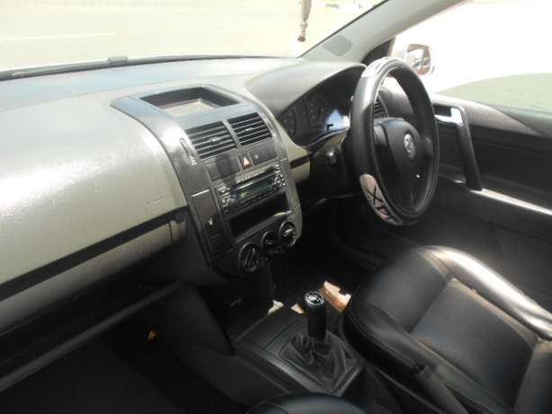 2008 VW Polo 1.6 Full house with mags and a sunroof for sale Johannesburg - image 4