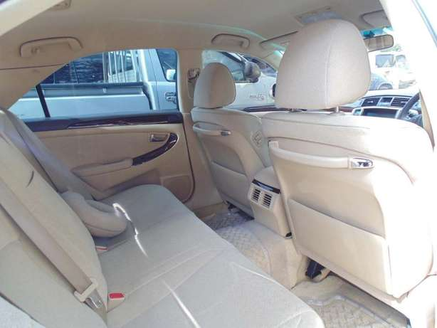 A very clean Toyota Crown on sale Hurlingham - image 4