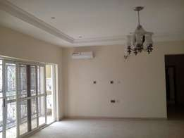 Beautiful 3bedroom Flat with a room Boy's quarter for rent at Jahi