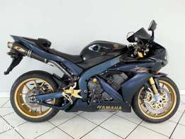 Yamaha R-1 SP LE Blue & Black :.